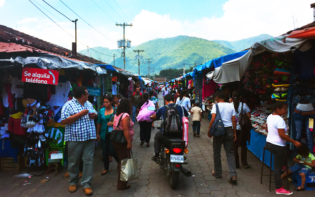 things to do in Antigua Guatemala - markets