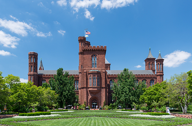 Washington DC museums - Smithsonian Castle