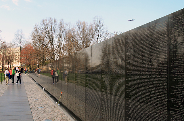 Washington DC Monuments - Vietnam Veterans Memorial
