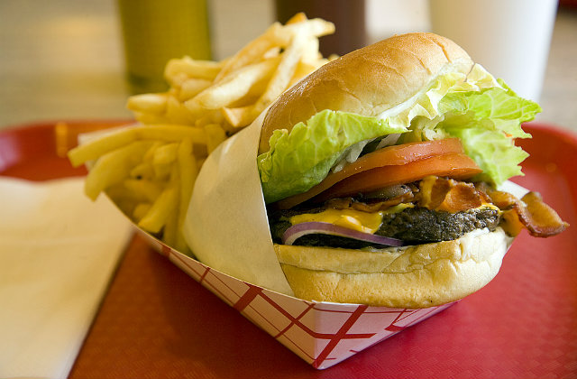 Hamburger at the best restaurant in Boston. Image source: Flickr