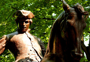 Paul Revere statue on the Freedom Trail in Boston