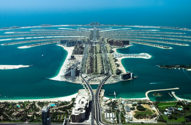 Places to visit in Dubai - Palm Jumeirah
